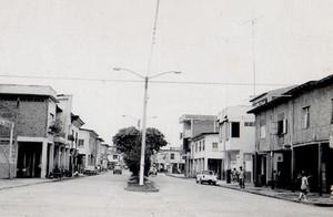 Av.-Rocafuerte-Desde-Calle-Colon.jpg