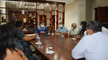 Alcalde César Encalada firmó convenios con presidentes de GAD parroquiales.