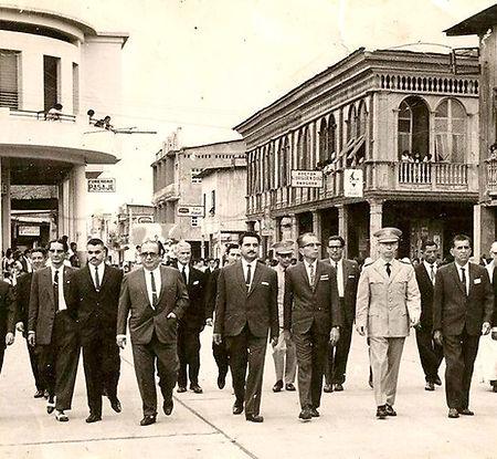 Autoridades-Municipales-en-Desfile.jpg