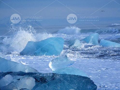 Iceberg Meets the Ocean