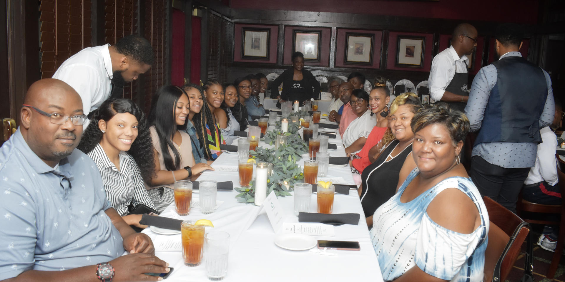 Couture Cares Scholarship Dinner_014.jpg