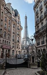 PARIS EIFFEL BUILDING.jpg