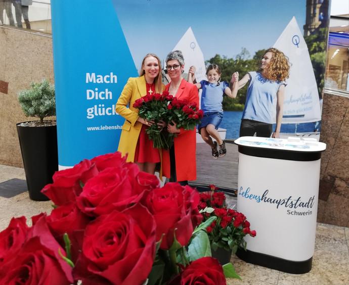 1000 Rote Rosen für Schwerin