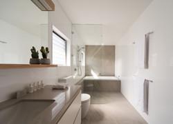Shirley St bathroom_DAV6156
