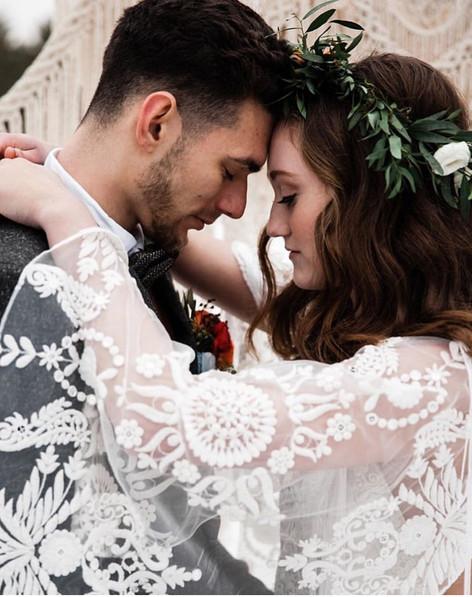 Alanna Hogan Photography, wedding couple