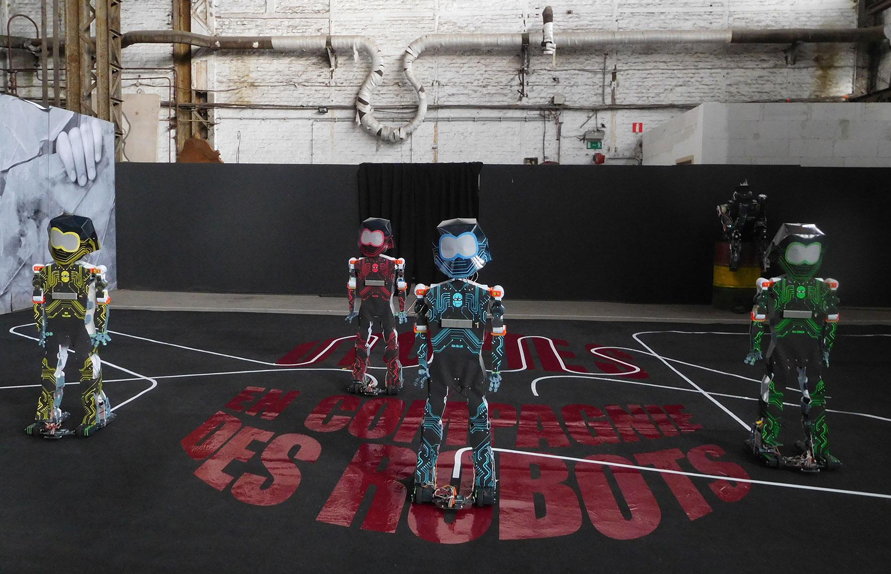 Utopies-en-compagnie-des-robots-ballet1