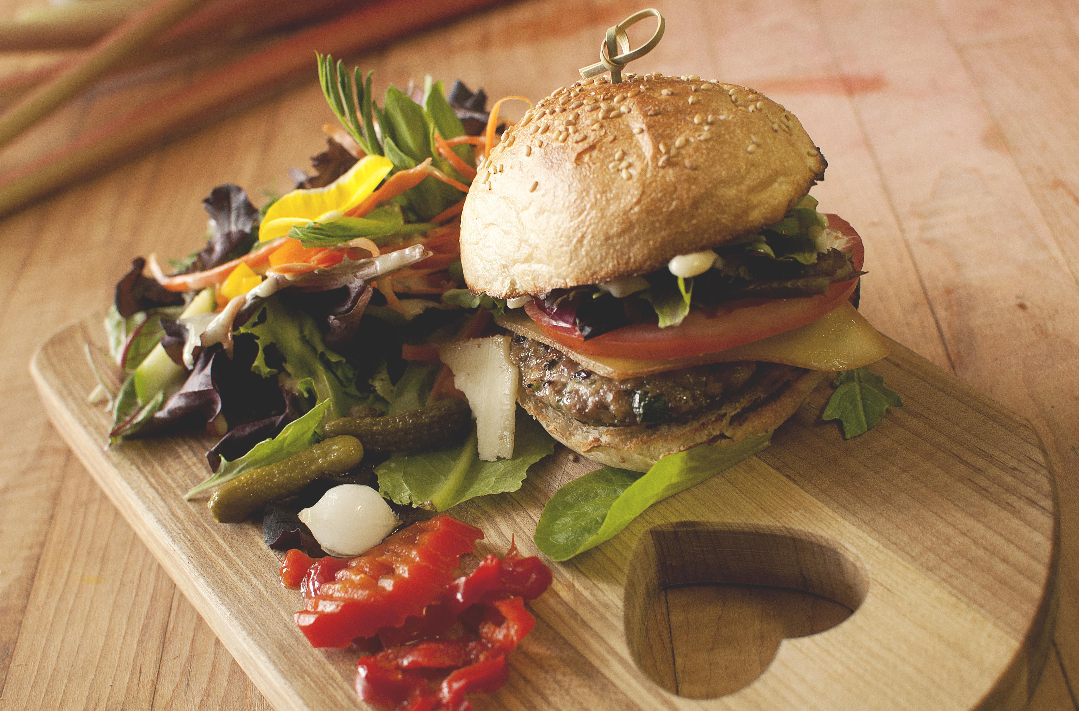 BurgerPintadeJulieHoudeAudetCoteEst.jpg