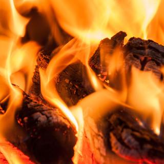 gemütliche Stunden beim Feuer