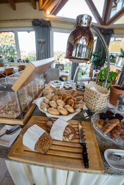 Brot und Gebäck täglich frisch gebacken