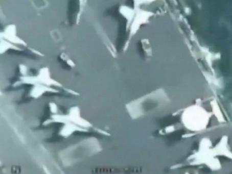 Un drone d'attaque stratégique iranien survole un porte-avions américain...