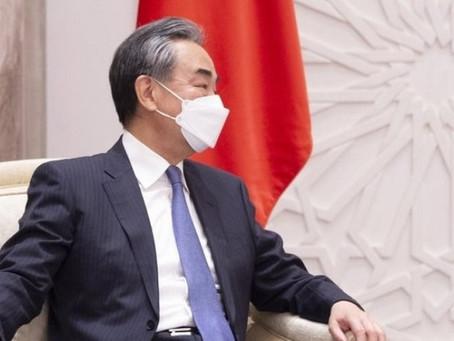 « La démocratie, ce n'est pas du Coca-Cola », affirme le chef de la diplomatie chinoise...