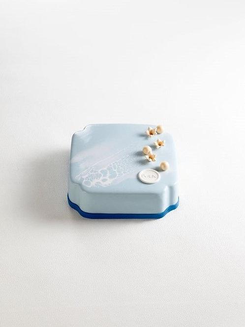 Blue Lotus by POEM PATISSERIE