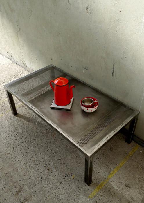 Table basse acier clair patiné
