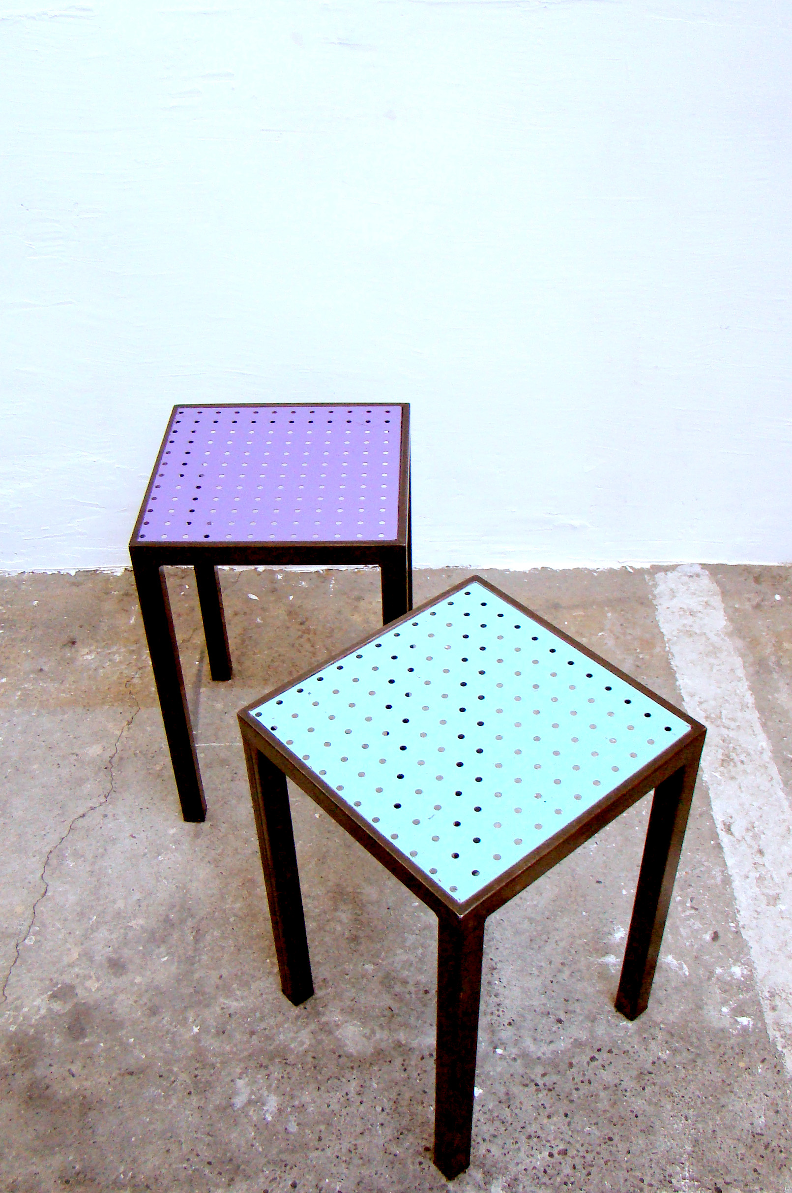 tabouret perfore bas dessus