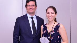 Perita do Rio de Janeiro gestora da Rede Integrada de Bancos de Perfis Genéticos homenageada