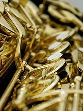 Many saxophones