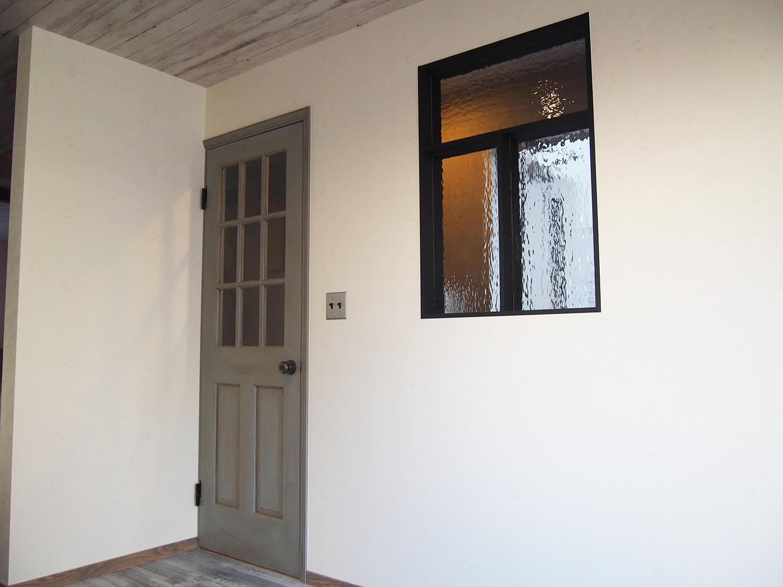 リビングドア
