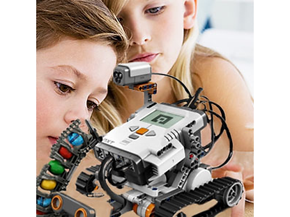 Pittsburgh students build robots during STEM aftr schoolclass by Pittsburgh CAMP