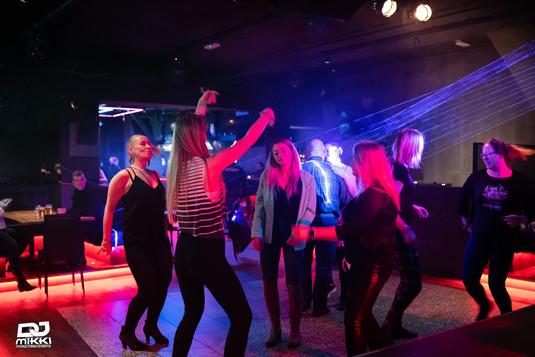 Gummi Ben bar Latin Party (35).jpg