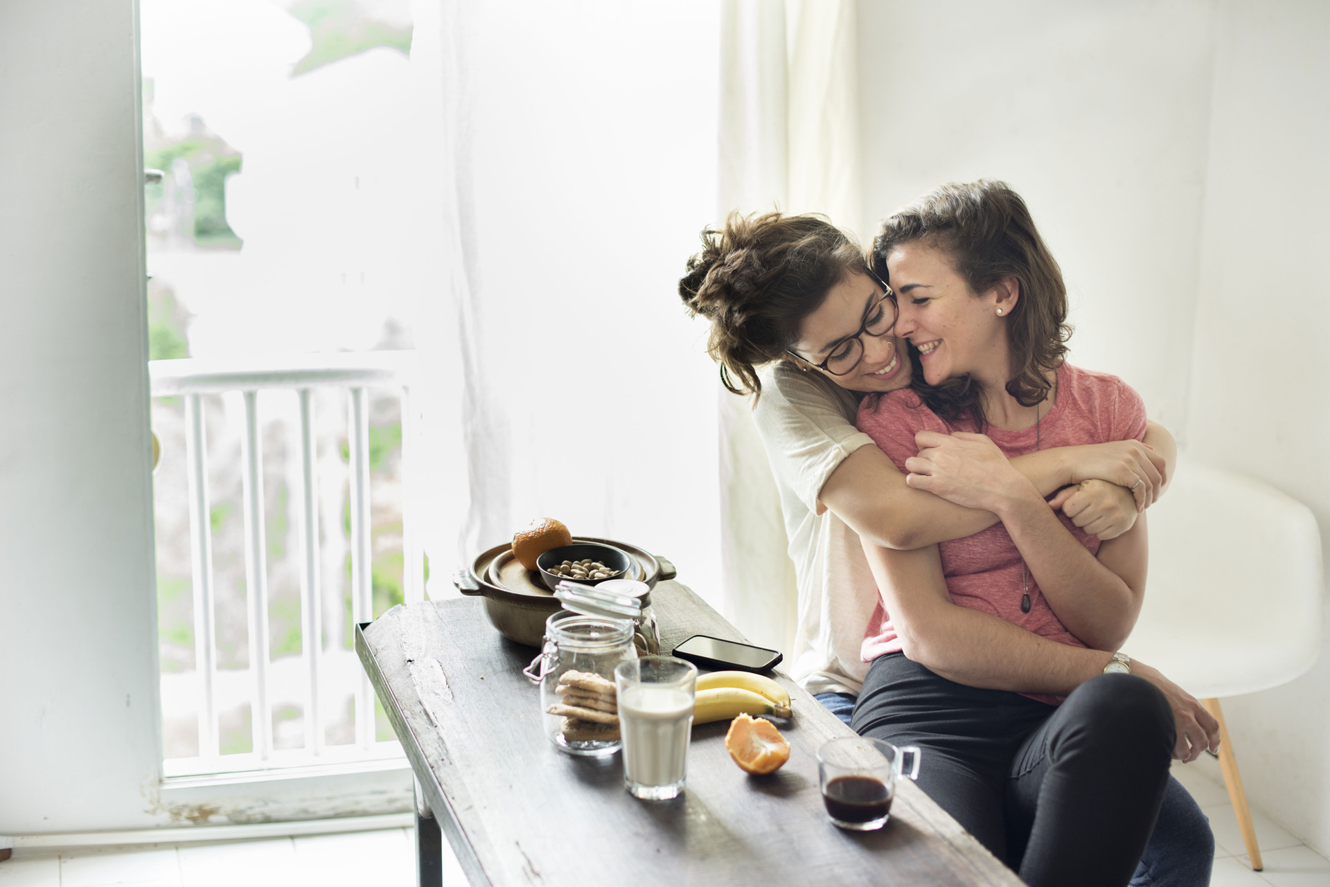 Femme Couple à la maison