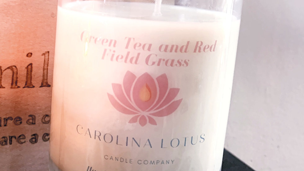 Green Tea and Red Field Grass       9 oz Soy Wax Candle