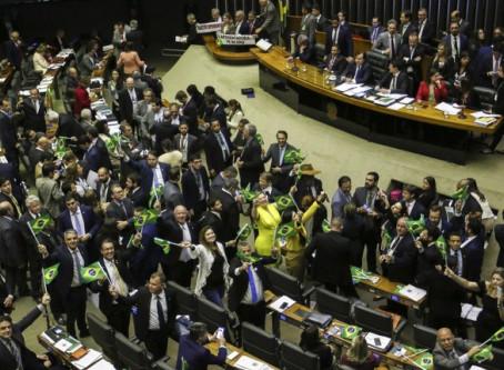 Pesquisa mostra que sete em cada dez brasileiros apoiam reforma