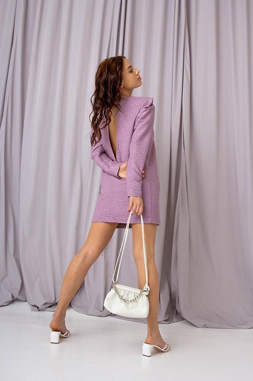Платье с фактурными плечами