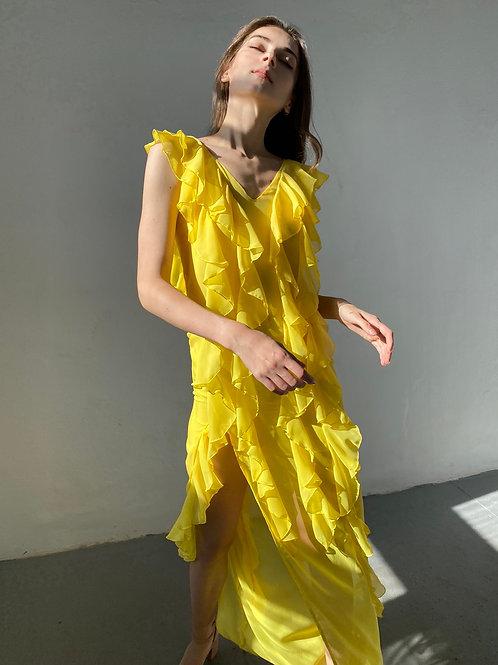 Платье с оборками макси