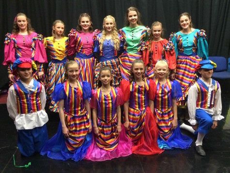 Pupils in Panto