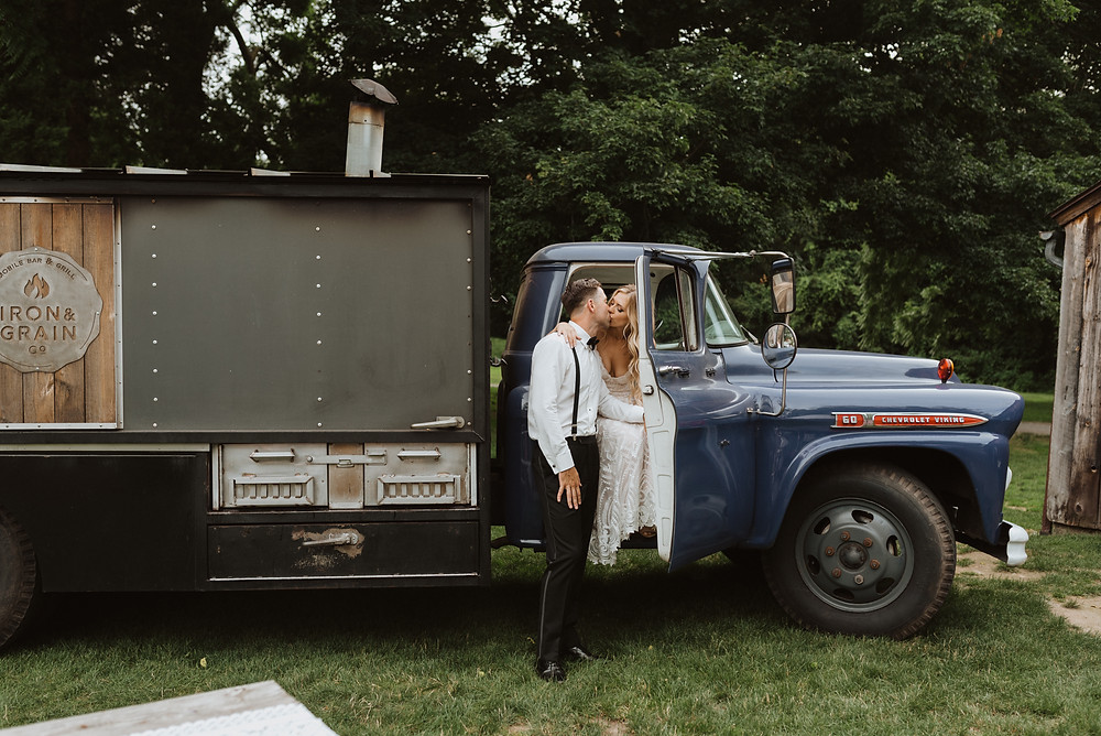 Connecticut Food Truck Wedding Iron and Grain, Evergreen Photography