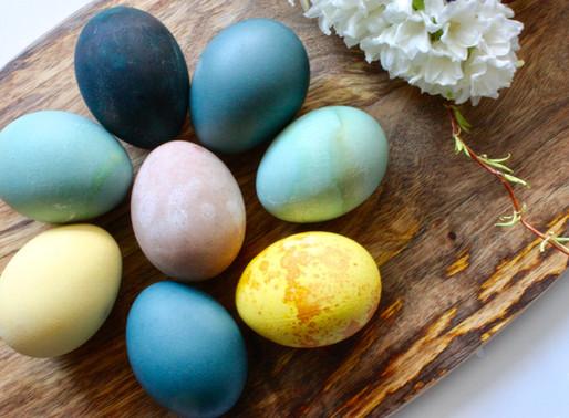 Oeufs de Pâques couleur nature