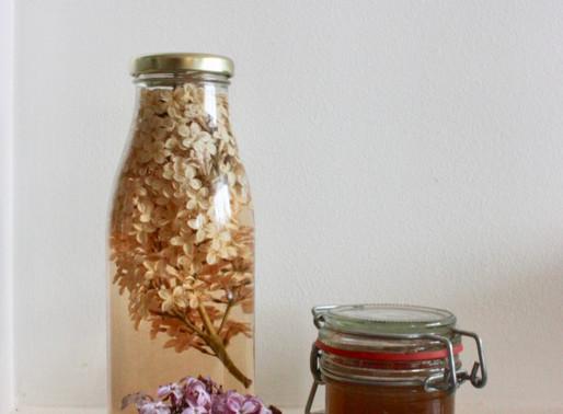 Gelée printanière de fleurs de lilas