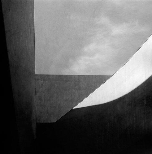 liam leslie, MAXXI III (2016)