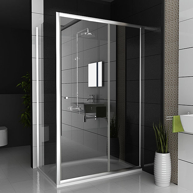 Showers  Bathroom  bath store  Luton. Bathroom  bath store  showroom  Luton  UK
