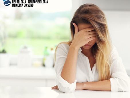 Dor de cabeça (cefaléia) e COVID-19