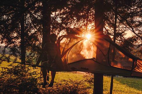 Romantikabenteuer im Baumzelt im Emmental: Sonnenaufgang