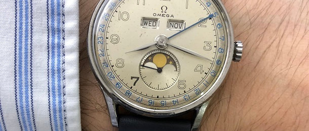 1947 OMEGA COSMIC MOONPHASE TRIPLE CALENDAR