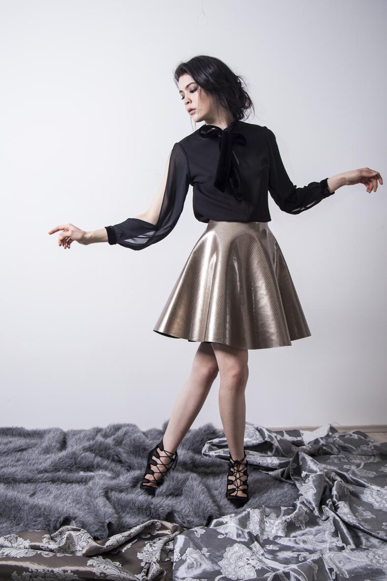falda dorada.jpg