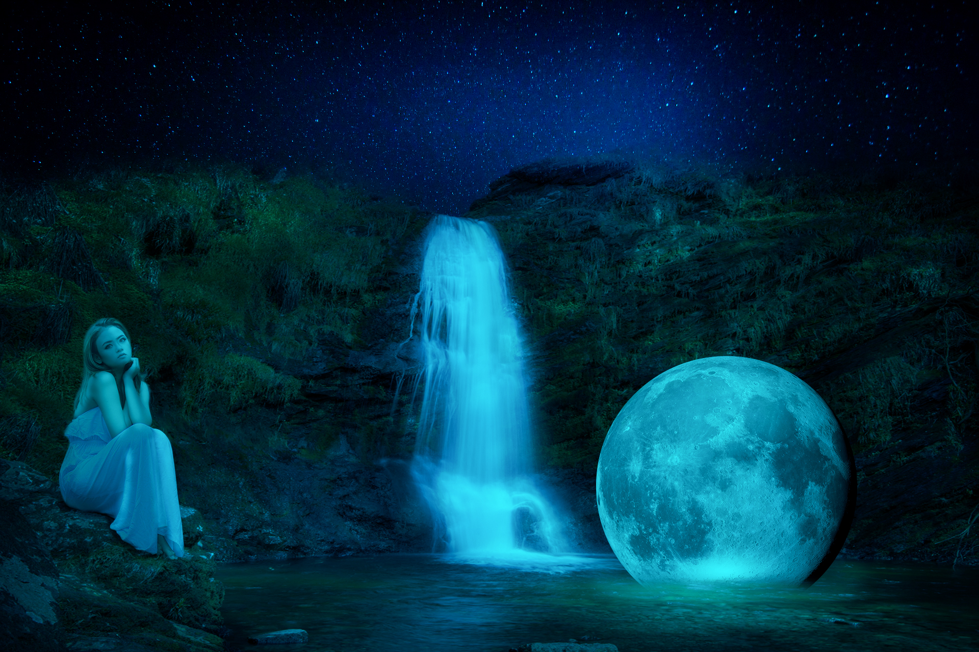Dreamy Moon in the lake