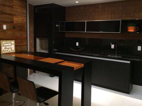 Uma cozinha planejada pode fazer maravilhas à sua casa