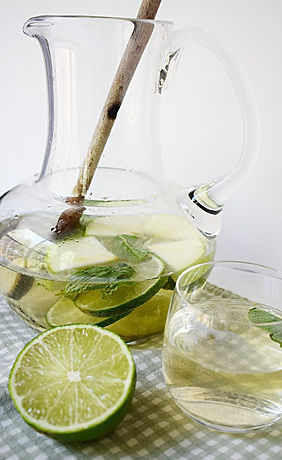Food photography: green sangria