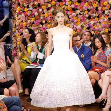 Blumenwände – Hingucker auf der Fashion Week