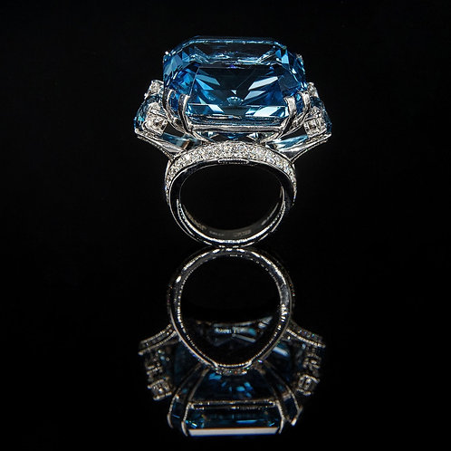 London Blue Coctail Ring