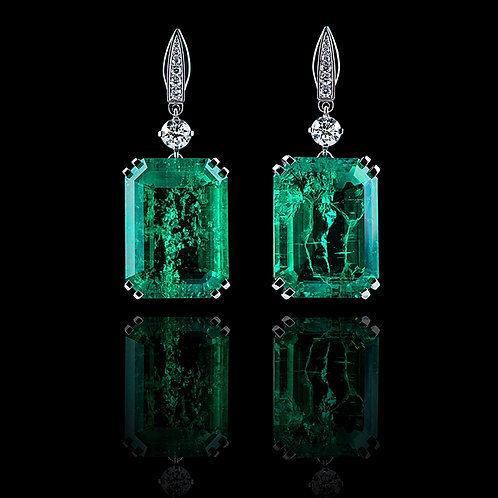 Classic Colombian Emerald Earrings