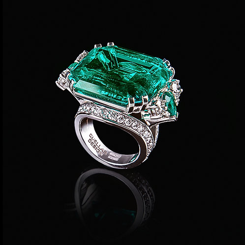 Signature Colombian Emerald Ring