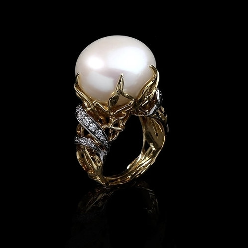 Magnum Pearl Ring
