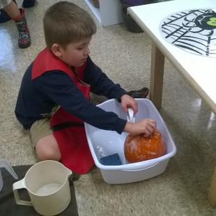 pumpkin_scrubing.32594744_large.jpg