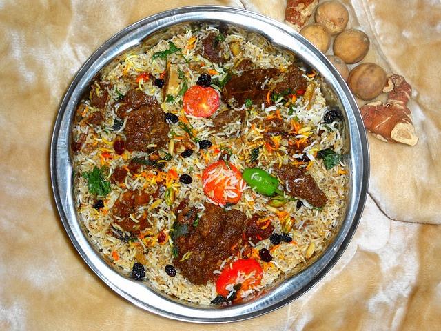 ไม่วาจะเป็นข้าวหมกแพะ หรือข้าวหมกไก่ ก็อร่อยถูกปาก Biriyani หรือ Biryani อาหารคู่อินเดีย