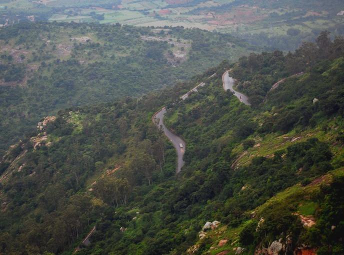 นันดิฮิลส์ Nandi Hills เนินเขาสูงอินเดีย เนินเขาสูงบังกาลอร์ ทางขึ้นเขาน่ากลัว ทางขึ้นเขาสูง