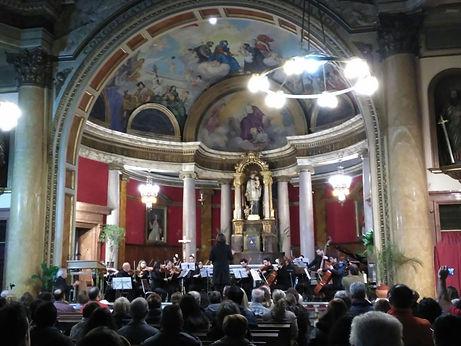 Maestro Roberto Laborda y OMB orquesta
